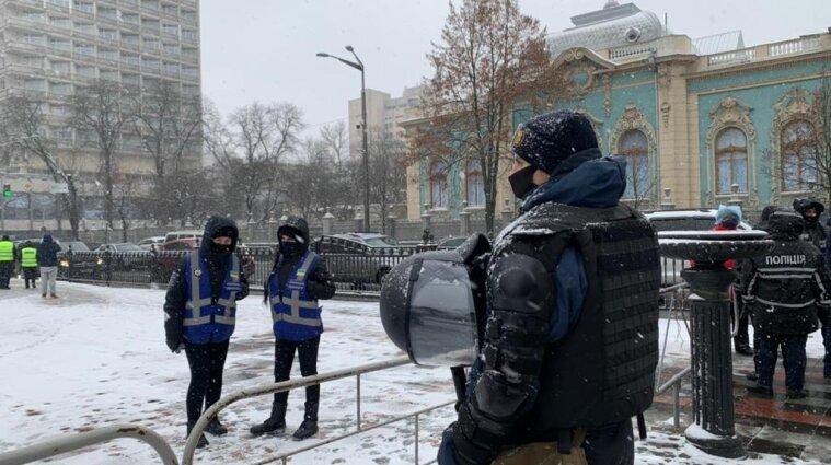 Поліціянти посилено охороняють центр Києва через протести