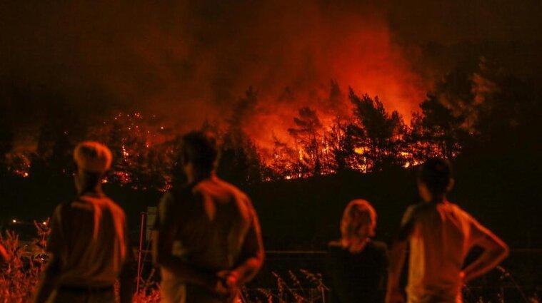 МЗС рекомендує українцям утриматися від поїздок до Туреччини через масштабні пожежі