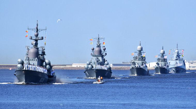 Росія закрила прохід для суден навколо окупованого Криму