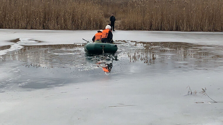 Тіло п'ятирічного хлопчика дістали зі ставка рятувальники у Миколаївській області