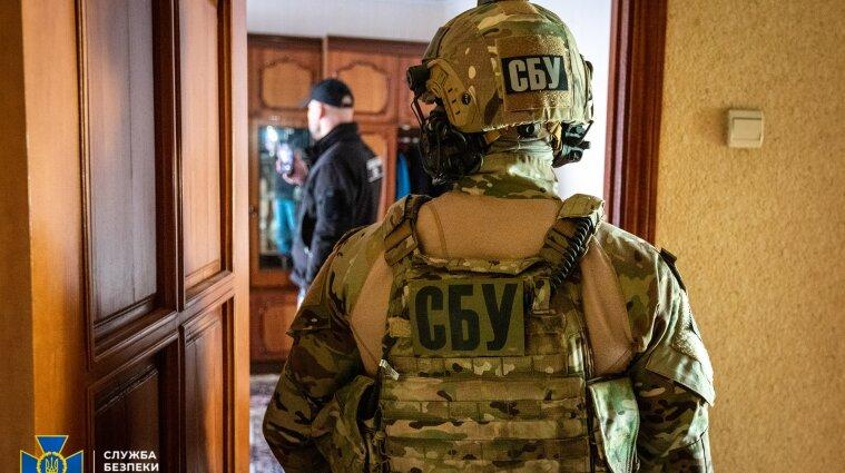 На Рівненщині заблокували канал мільйонної контрабанди бурштину до Азії (фото, відео)