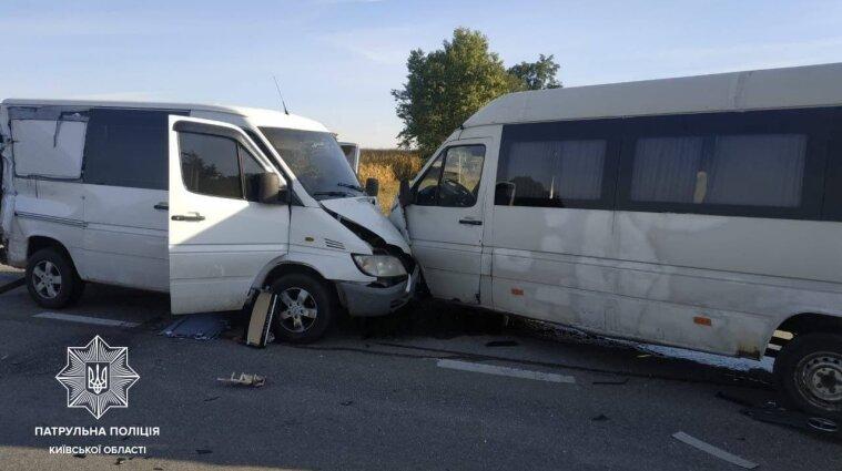 Перекрыли дорогу: масштабная авария произошла на трассе в Киевской области - фото