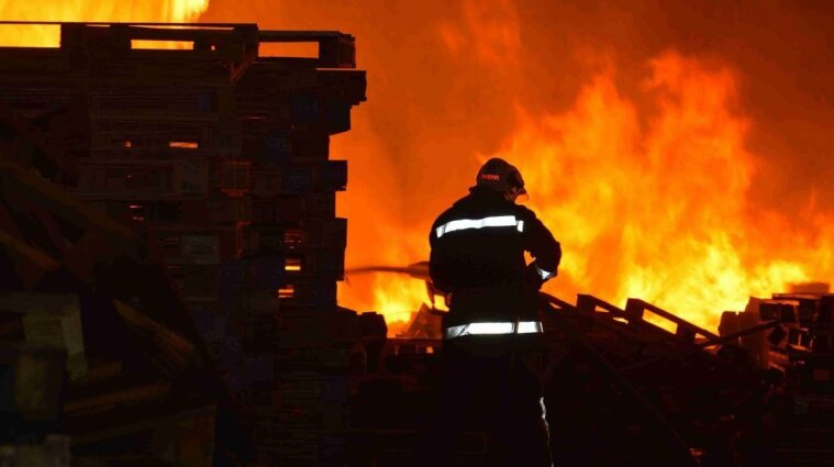 В Днепропетровской области пожар унес жизни троих детей