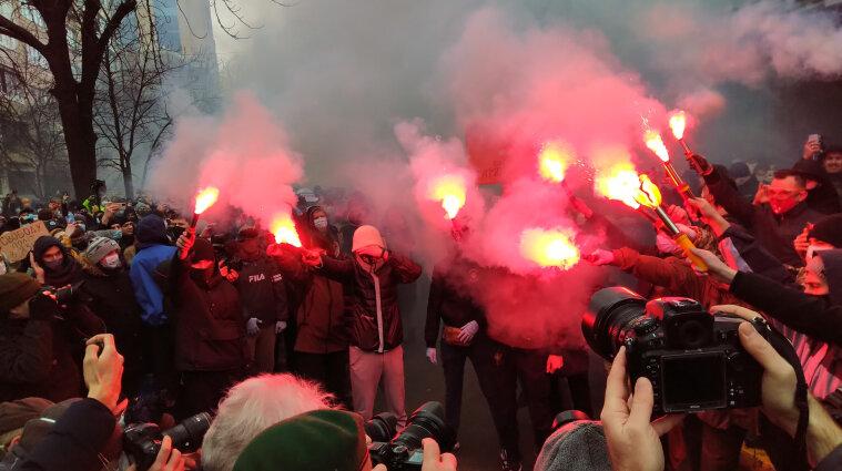 Митингующие в защиту Стерненка пришли под Офис генпрокурора