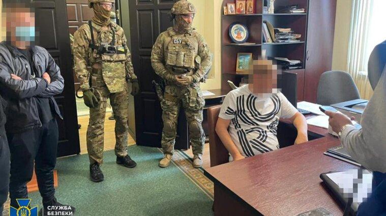 В Полтавском горсовете прошли обыски: депутата и должностных лиц разоблачили на взятке