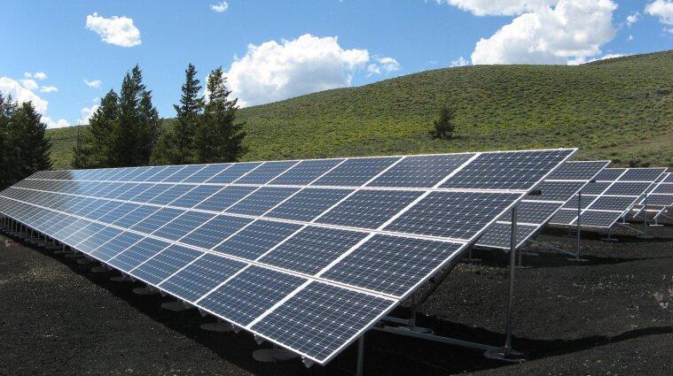 В Одеській області встановили першу сонячну електростанцію для освітлення доріг