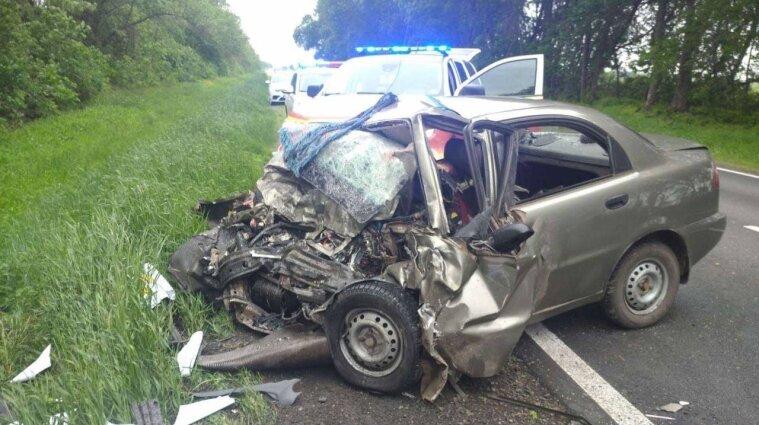 В Харьковской области столкнулись Toyota и Daewoo: погибло три человека