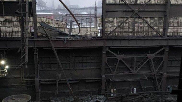 В Запорожье из-за сильного снега обвалилась крыша в цехе ферросплавного завода - видео