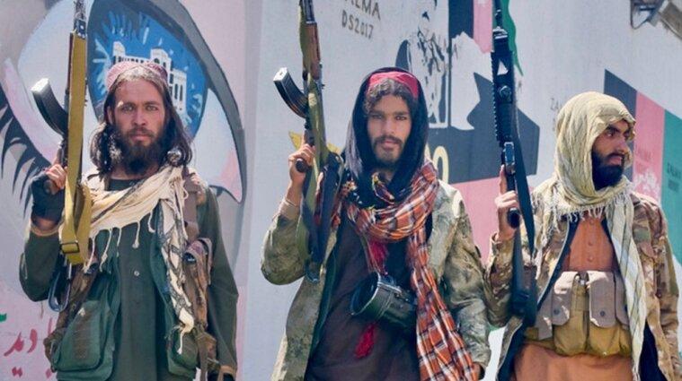 """Таліби захопили Афганістан: чи закінчилась 20-річна війна та хто """"здав"""" країну"""