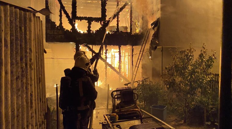 У Київській області у будинку згоріла 13-річна дитина