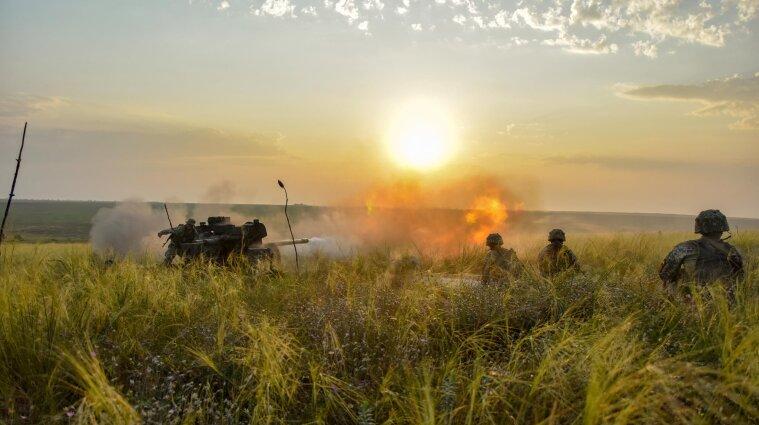Боевики в Донбассе нарушили режим прекращения огня и ранили украинского военного