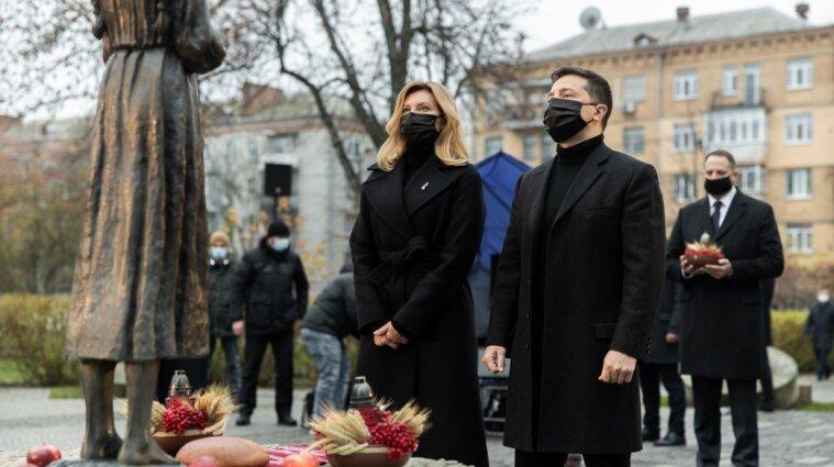 Зеленский с женой почтили память жертв голодоморов в Украине