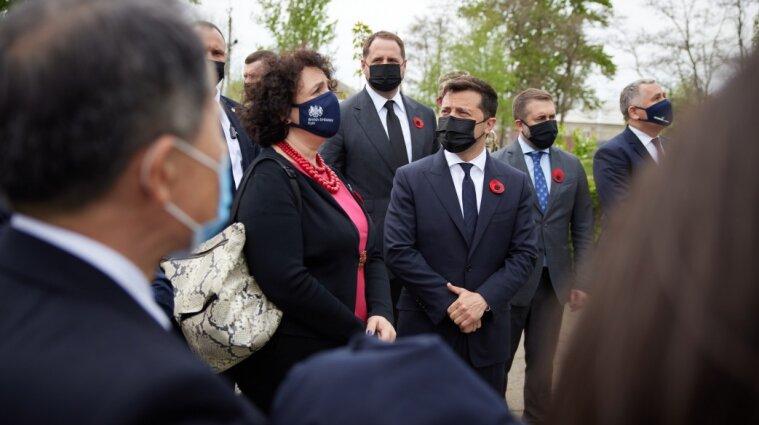 Зеленский и послы G7 ездили в Луганскую область