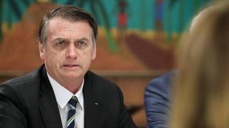 Гикав 10 днів: президент Бразилії потрапив до лікарні