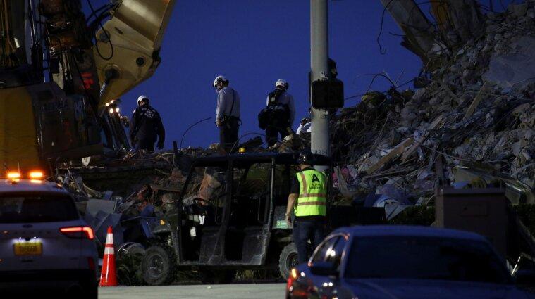 Во Флориде прекратили поиски на обвалах многоэтажки: 86 человек до сих пор не нашли