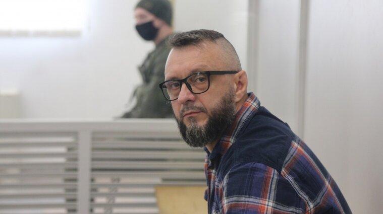 Суд оставил Антоненко под стражей, а Кузьменко - под домашним арестом (видео)