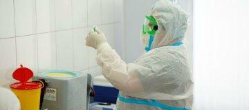 Від початку вакцинації в Україні отримали щеплення від коронавірусу лише 17 тисяч людей