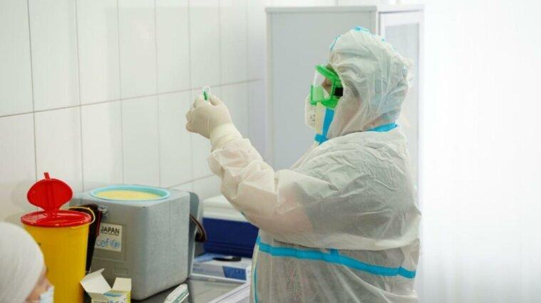 Радуцкий рассказал, когда появиться коммерческая вакцинация