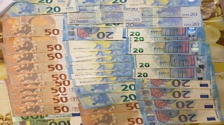 В Киевской области мужчины подделывали валюту, которую сбывали в столице