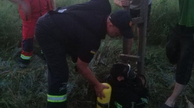 Мужчину и подростка нашли мертвыми в заброшенном колодце возле Одессы
