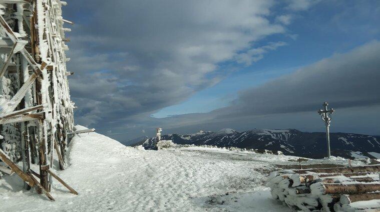 Мороз та сніг: погода у високогір'ї Карпат - фото