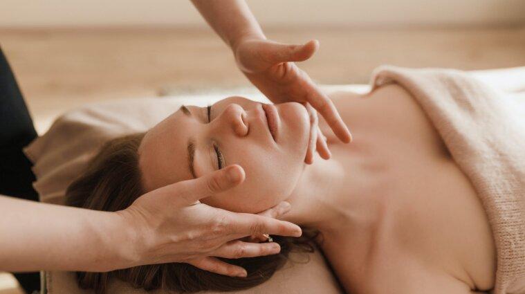 В Чернигове массажистка свернула шею своей клиентке