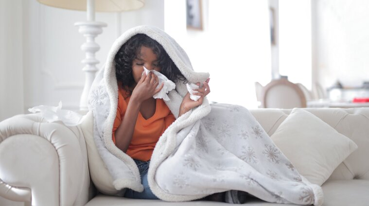 Легка форма коронавірусу може спричинити серйозні ускладення - дослідження