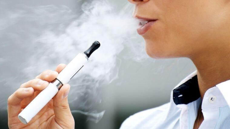 Депутати вирішили заборонити в Україні продаж електронних сигарет дітям до 18 років