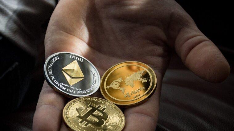 Почему биткоин колеблется: анализ ситуации на рынке криптовалюты