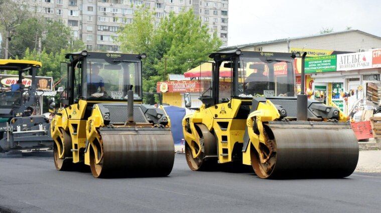 """В """"Укравтодорі"""" пояснили, чому відремонтовані дороги швидко руйнуються"""