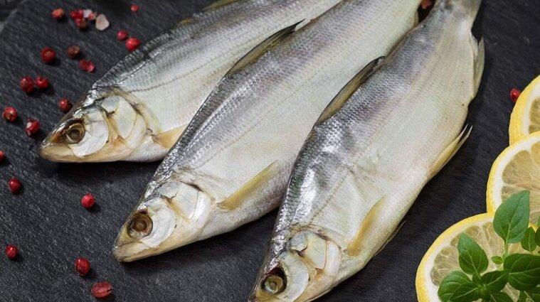 В Запорожье женщина умерла из-за вяленой рыбы: ее муж в больнице