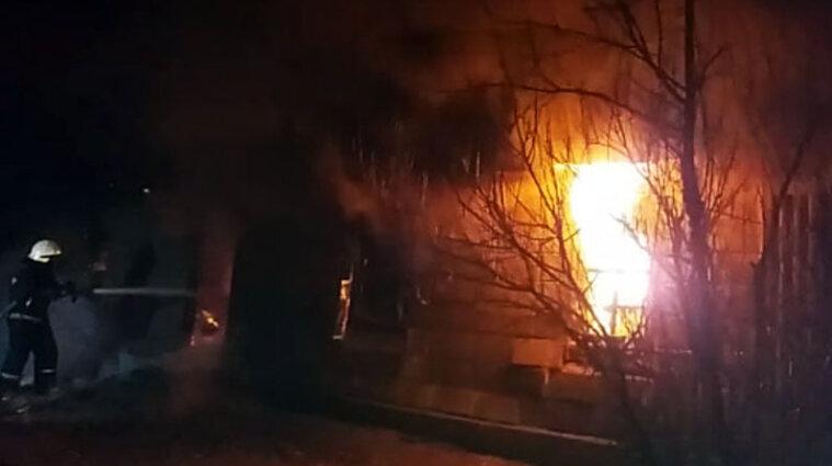 Дніпропетровська область: троє людей згоріли живцем у будинку