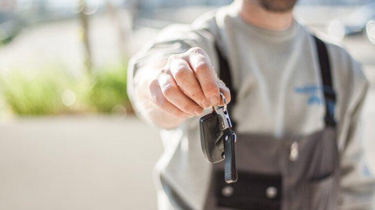 Зарегистрировать авто прямо в автосалоне - подробности от Шмыгаля