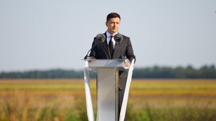 Україна посідає гідне місце серед демократичних держав - Зеленський привітав країну із 30-річчям