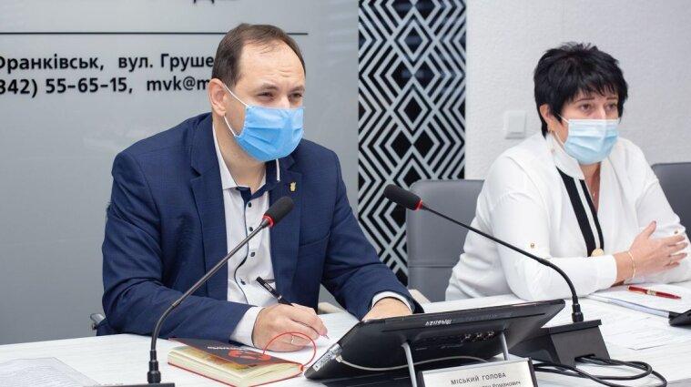 Сам спливе: Мер Франківська жартував з підлеглими про потопельника - відео