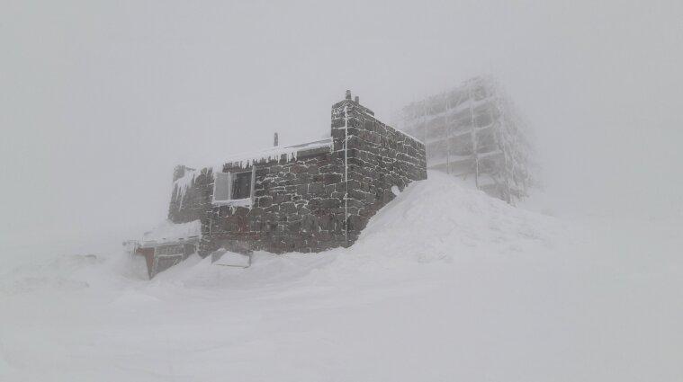 Снеголавинная опасность третьего уровня объявлена в Карпатах
