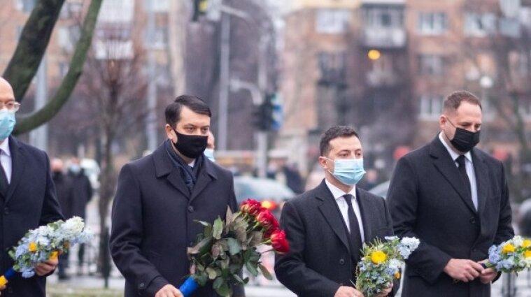 Президент, прем'єр та голова ВР вшанували ліквідаторів аварії на ЧАЕС