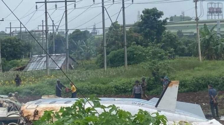 В М'янмі впав військовий літак: загинуло 12 людей