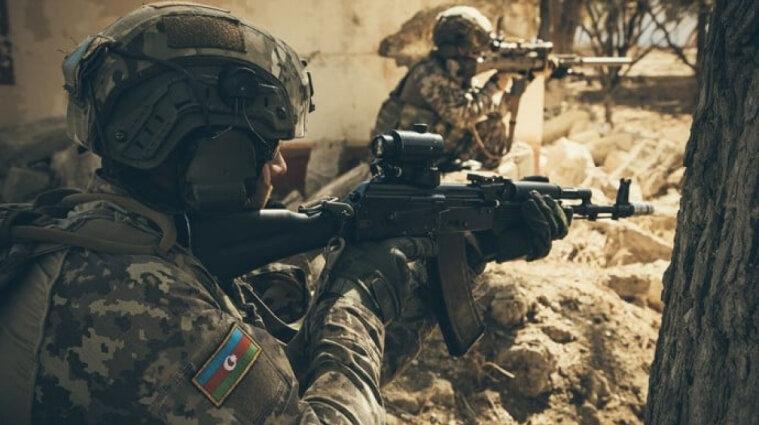 На кордоні з Азербайджаном у полон потрапили шість військових з Вірменії