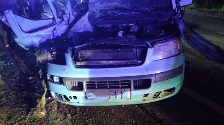 Під Черкасами зіткнулись два мікроавтобуси: постраждало четверо дітей
