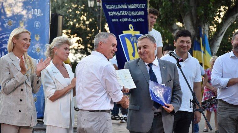 Мэр Николаева получил диплом кандидата наук