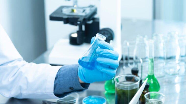 """Новые опасные мутации """"британского штамма"""" коронавируса обнаружены в Украине"""