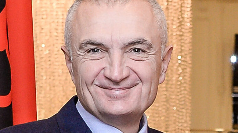 Албанские депутаты объявили импичмент президенту
