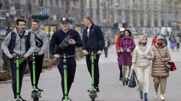 Электросамокаты на дорогах: когда и как урегулируют движение