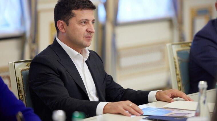 Зеленський звільнив п'ятьох послів в шести країнах