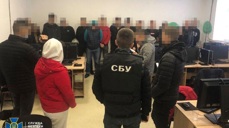 В Виннице мошенники выманивали у граждан около шести млн гривен ежемесячно