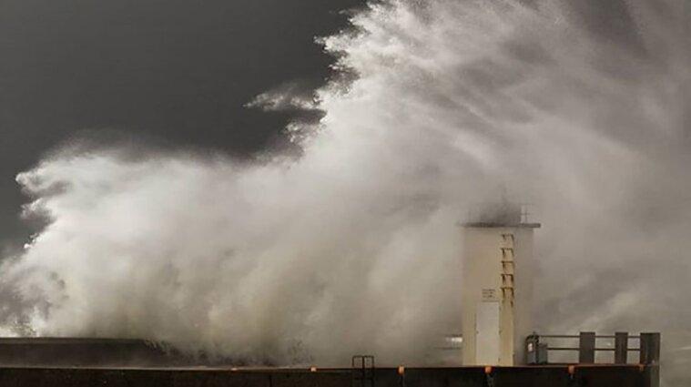 В Италии бушует мощный шторм: погиб пожарный