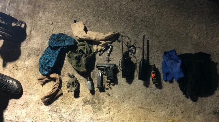 В Киевской области напали на полицейских: бросили гранату и открыли огонь
