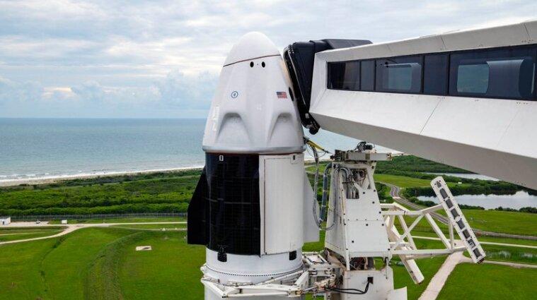 SpaceX Ілона Маска опублікувала фото екіпажу першої цивільної місії Inspiration 4