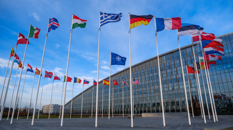 НАТО підтримує санкції США проти Росії